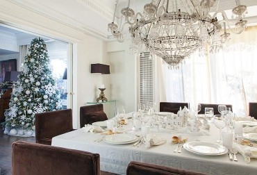An Italian Christmas: Elegant and stylish apartment sets the tone