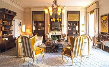 Luxurious Paris flat dressed to the nines