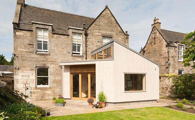 Kalm Architecture added a modern extension to an 18th-century home