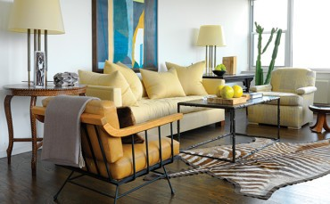 How a compact Chicago apartment makes a big statement