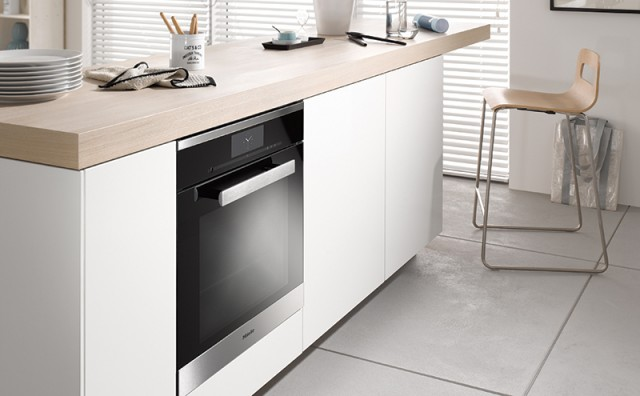 Miele_Gen_6000_DGC-6860_XXL_Steam_Combination_Oven.jpg