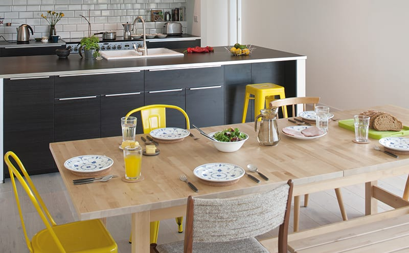 The architect also designed the kitchen using Ikea units, which was then built by the contractor. The tiles are from Porcelanosa.