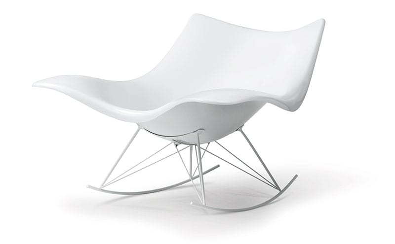 The original Stingray chair came in a cool gloss white