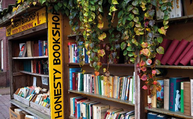 Frances-Lincoln-Book-Towns-p35TR-Bredevoort-Netherlands-c-Frans-Lemmens.jpg