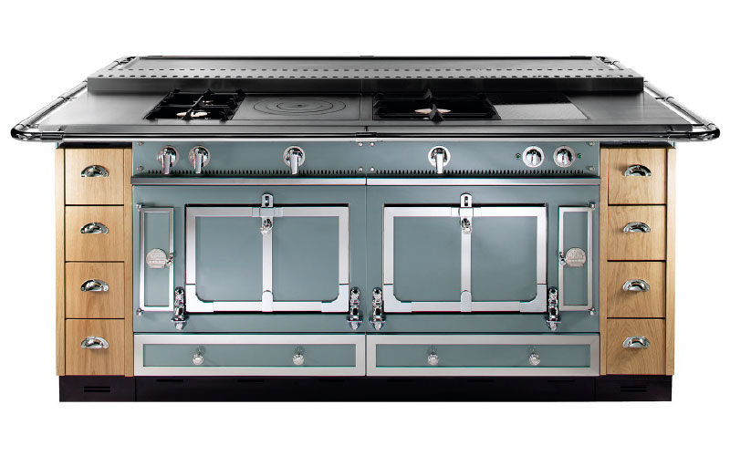 Château 150 in icy blue, approx £33,800, La Cornue