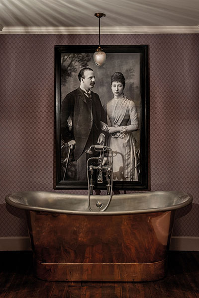 The-Fife-Arms-Duke-of-Fife-Bath-Tub