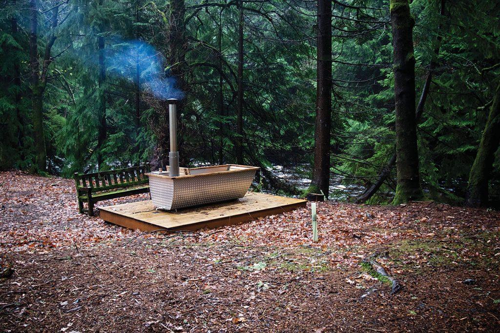 Glen-Dye-outside-bath