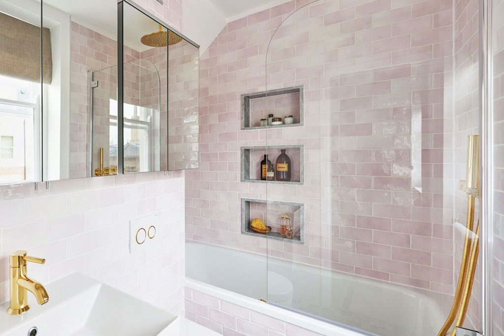Maurizio-Pellizzoni-pink-bathroom-1.jpg