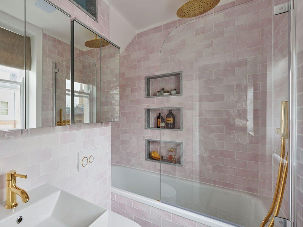 Maurizio-Pellizzoni-pink-bathroom