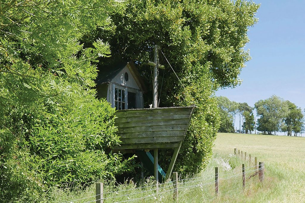 boat-in-garden