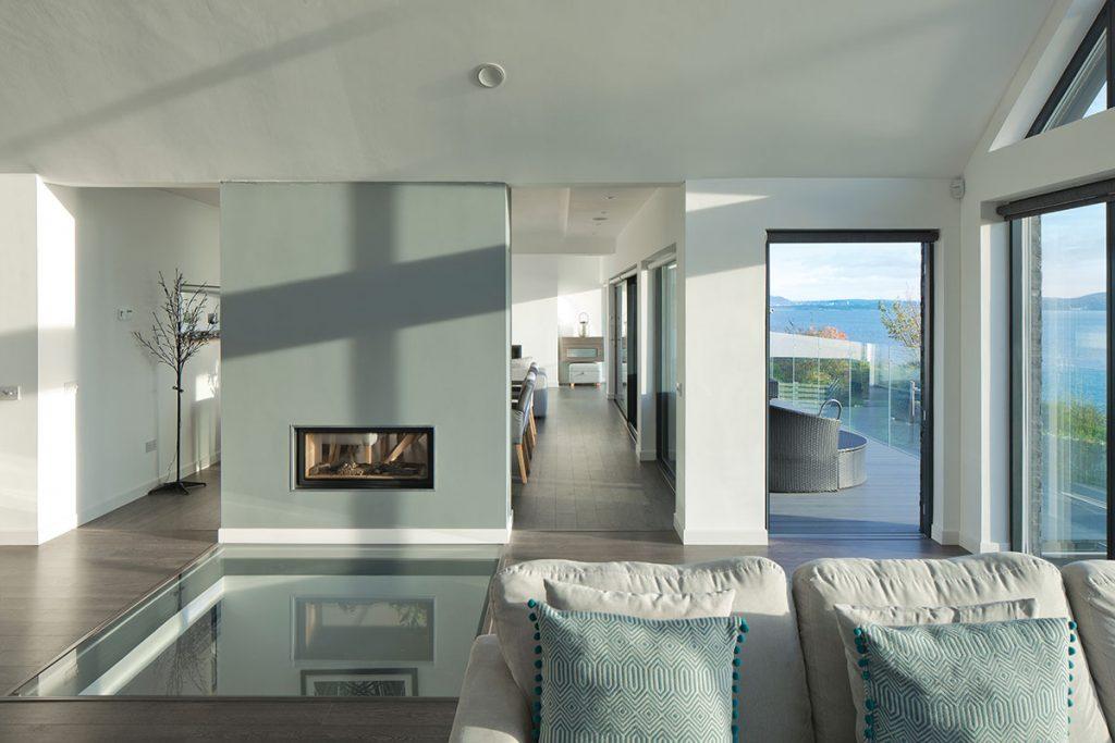 open-plan-living-room-with-glass-floor