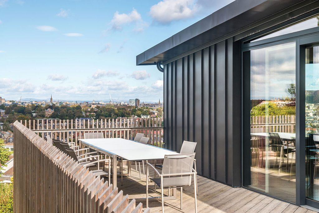balcony-with-views-over-edinburgh