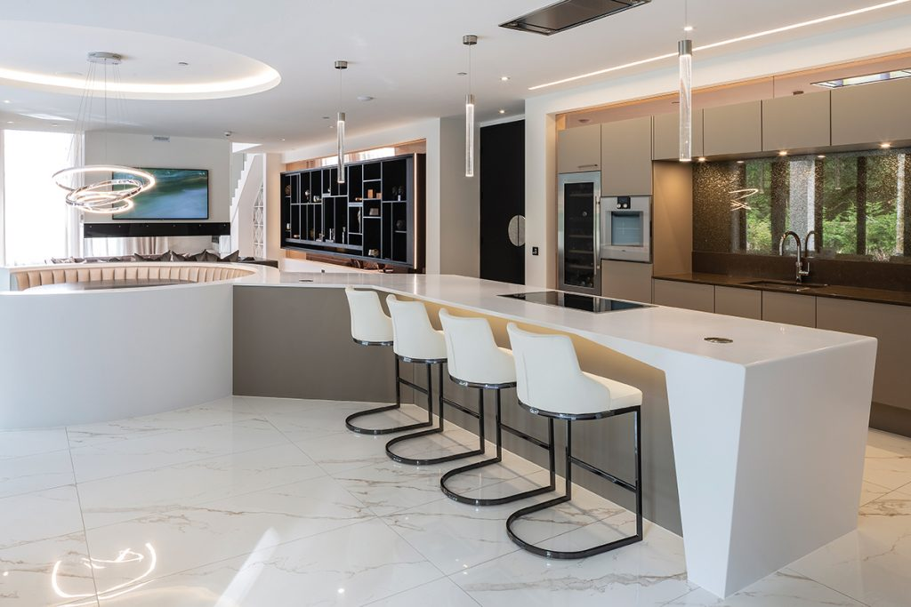 modern-white-and-marble-kitchen-and-dining-area