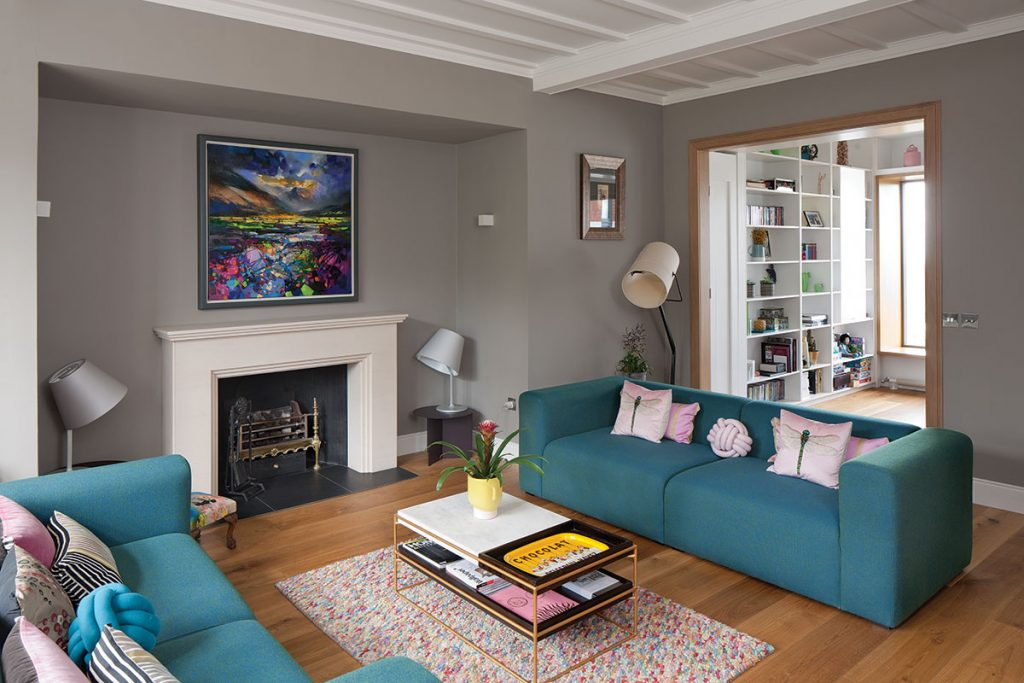 pink-and-teal-drawing-room