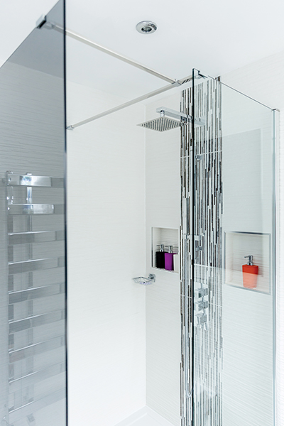 shower-unit-in-ensuite-bathroom