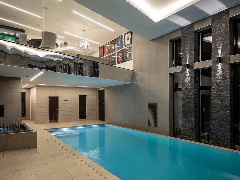 swimming-pool-and-games-room