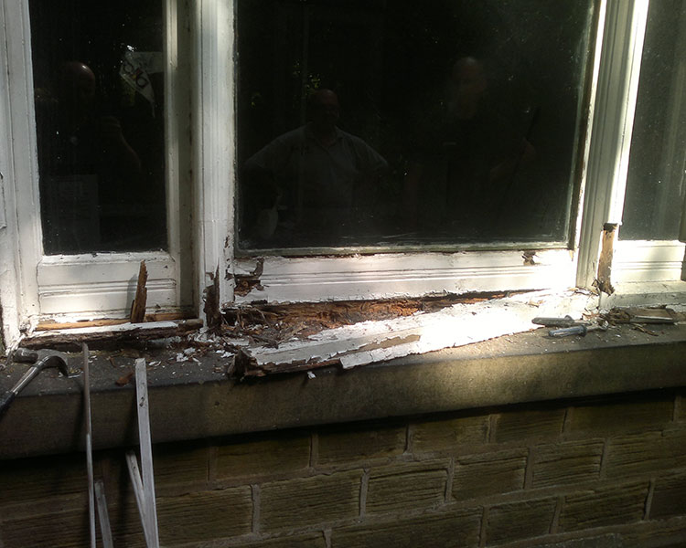 Renovated-Rotten-Sill-by-Ventrolla-BEFORE