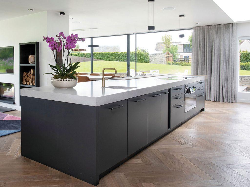 kitchen-island-in-open-plan-kitchen