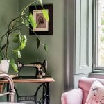 pink-bedroom-with-green-plants