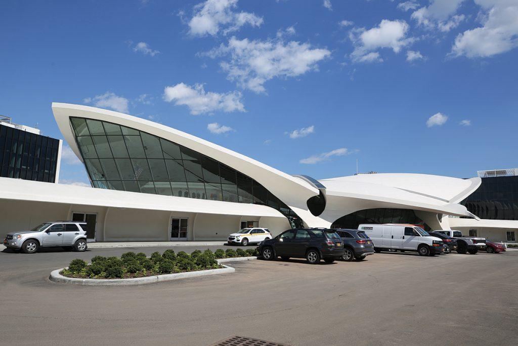 I-love-Eero-Saarinen's-1960s-terminal-at-JFK-airport
