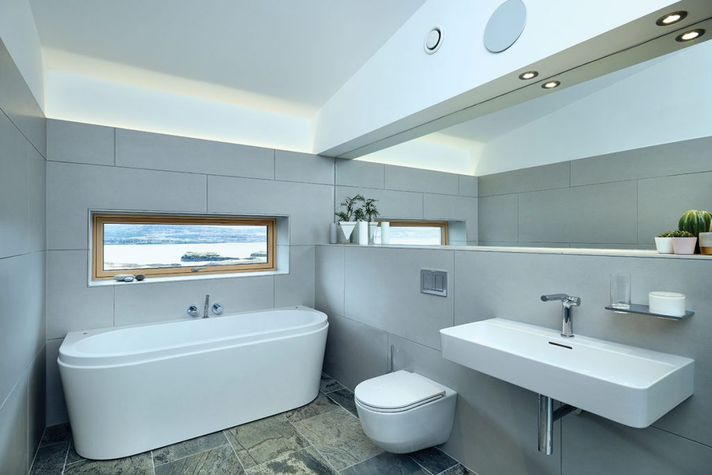 bathroom-with-sea-view