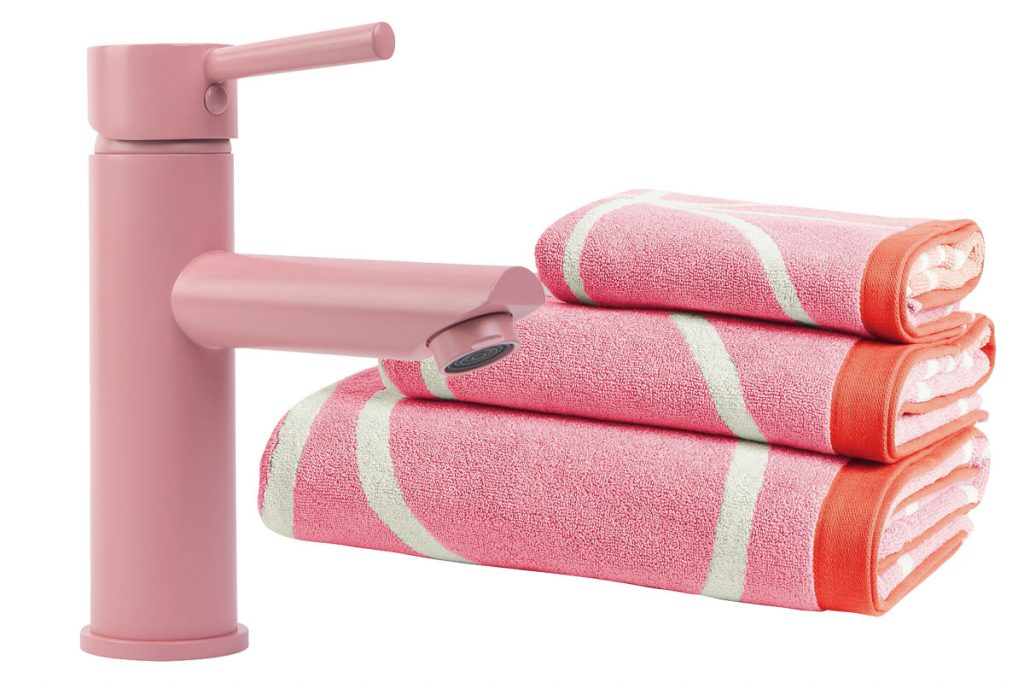 pink-tap-and-towel