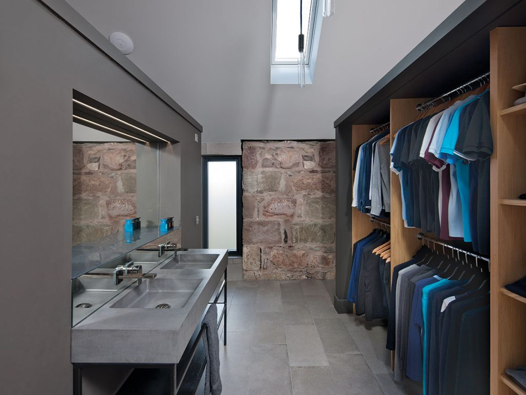walk-in-wardrobe-and-ensuite
