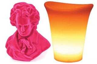 audenza-mozart-head-and-orange-garden-light