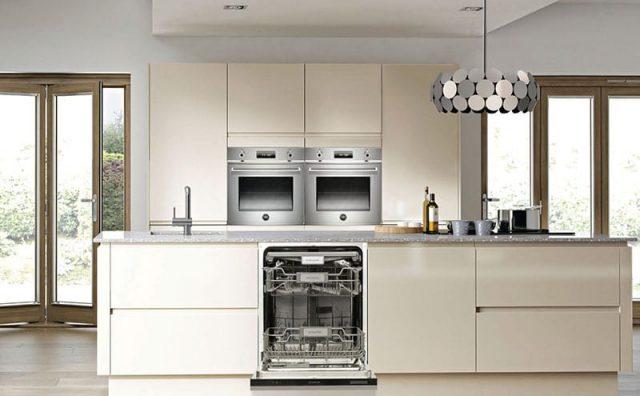 Britannia-BRIT-IDW60-14-place-setting-dishwasher-in-Masterclass-Italia-M....jpg