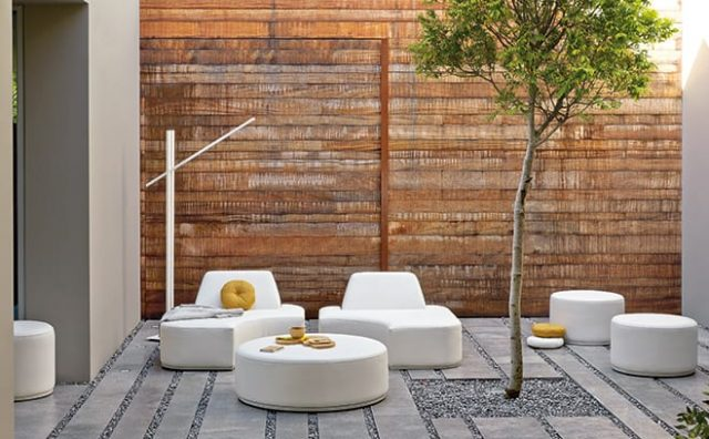 Go-Modern-Manutti_-Moon_Island_Collection_outdoor_furniture_gomodern.co_.uk_.jpg