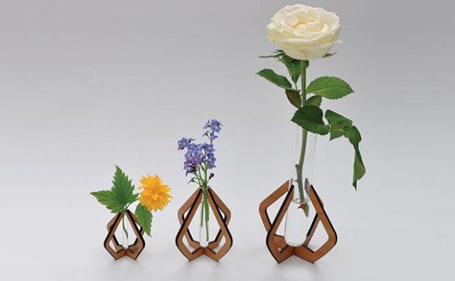 Jenny-Pinch-Vases-in-a-row.jpg