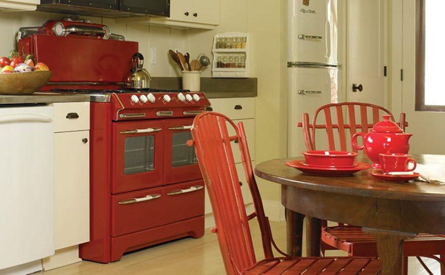 KitchenStoveFridge-1.jpg
