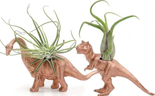 brachiosaurus-dino-planter.jpg
